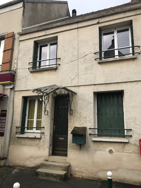 Sale building Coulommiers 232000€ - Picture 2