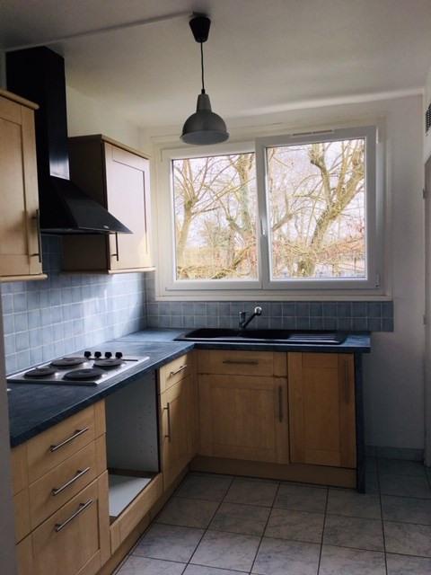 Rental apartment Crosne 850€ CC - Picture 3