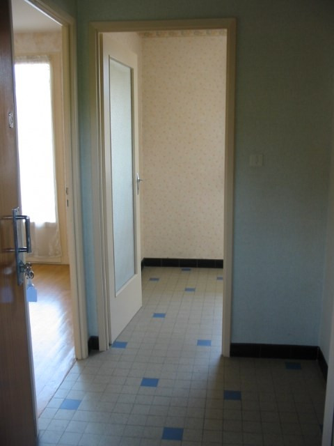 Location appartement Bron 505€ CC - Photo 2