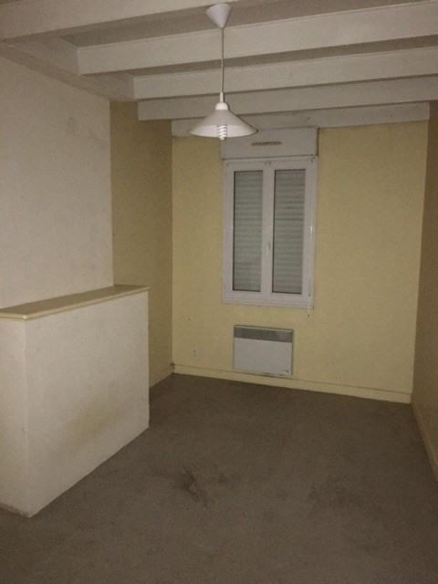 Rental apartment Barbezieux-saint-hilaire 340€ CC - Picture 5