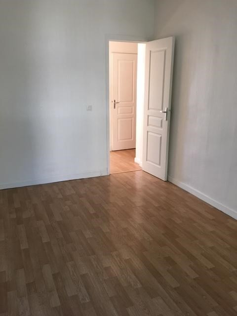 Rental apartment Aubervilliers 889€ CC - Picture 3
