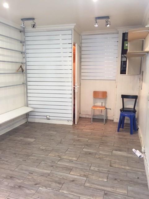 Rental empty room/storage Paris 18ème 750€ CC - Picture 3