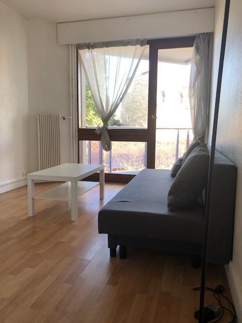 Location appartement Saint germain en laye 610€ CC - Photo 1