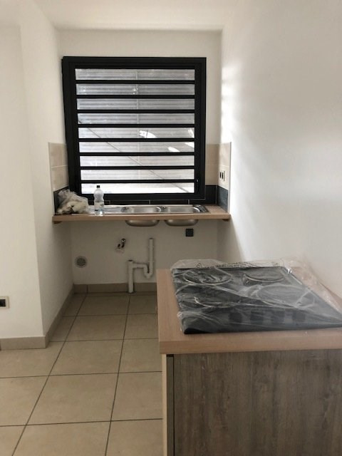 Location appartement Ste suzanne 750€ CC - Photo 3