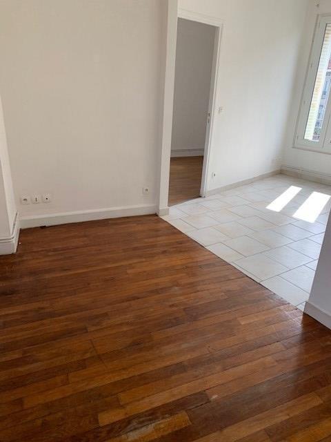 Rental apartment Aulnay sous bois 785€ CC - Picture 2