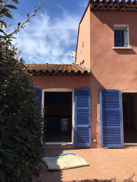 Location maison / villa Saint aygulf 1 700€ CC - Photo 3