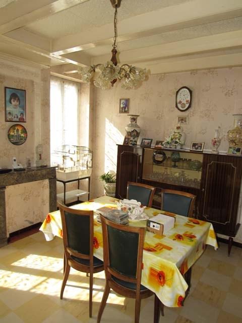 Sale house / villa Saint-jean-d'angély 69750€ - Picture 3