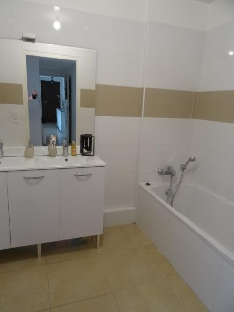 Sale apartment Chateauneuf le rouge 339900€ - Picture 6