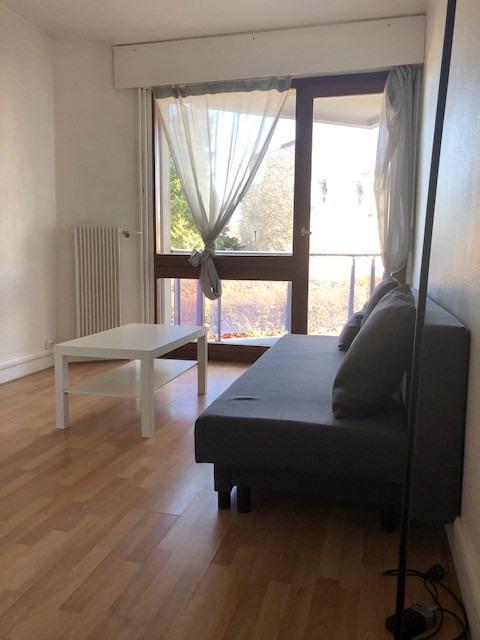 Location appartement Saint germain en laye 610€ CC - Photo 8