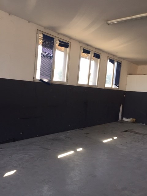 Location local commercial Saint-alban 1 900€ HC - Photo 4
