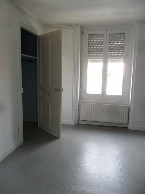 Location appartement Montrond-les-bains 426€ CC - Photo 3
