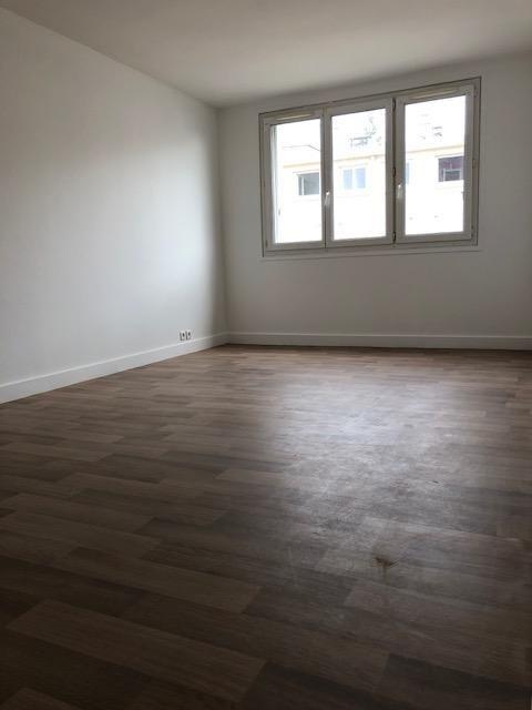 Location appartement Saint germain en laye 1195€ CC - Photo 4