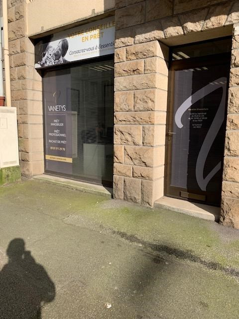 Location local commercial Quimper 900€ CC - Photo 1