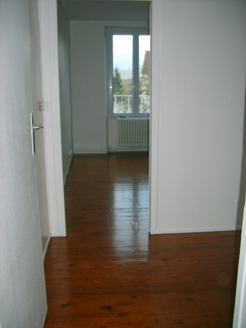 Location maison / villa Bennecourt 720€ CC - Photo 9