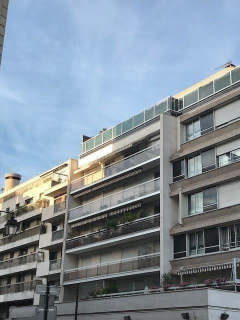Location appartement Paris 17ème 2600€ CC - Photo 2