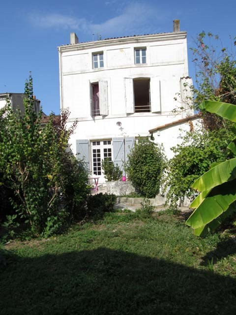 Sale house / villa Saint-jean-d'angély 143 250€ - Picture 2
