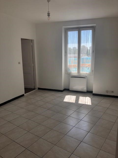 Location appartement Carrieres sur seine 893€ CC - Photo 2