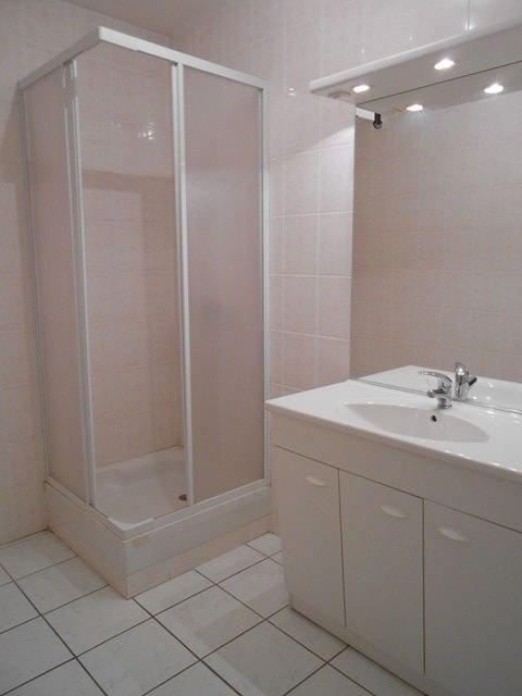 Rental apartment Roche-la-moliere 474€ CC - Picture 4