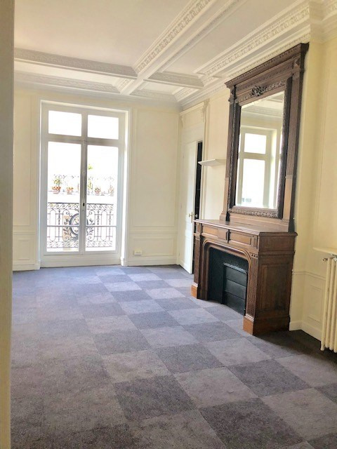 Rental office Paris 8ème 15 333€ HC - Picture 6