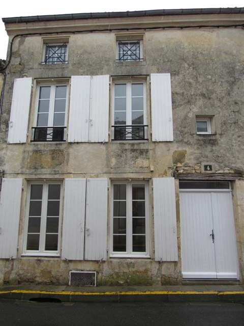 Sale house / villa Saint-jean-d'angély 85 500€ - Picture 1