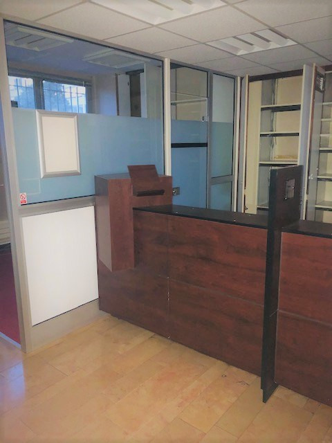 Location local commercial Rouen 1 250€ HC - Photo 2