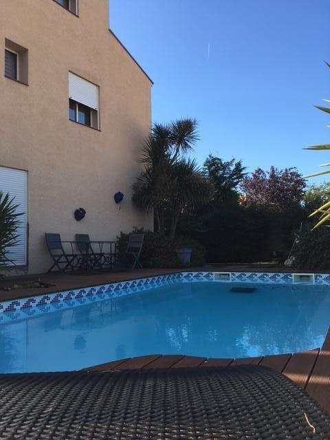 Sale house / villa Toulouges 380000€ - Picture 7