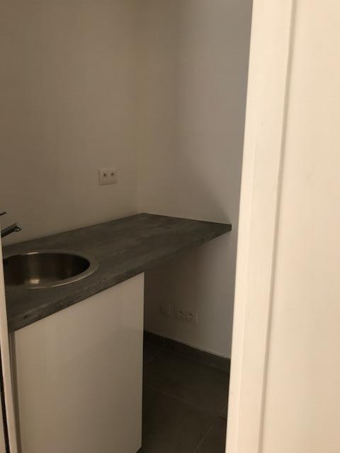 Rental empty room/storage Paris 15ème 1750€ HT/HC - Picture 7