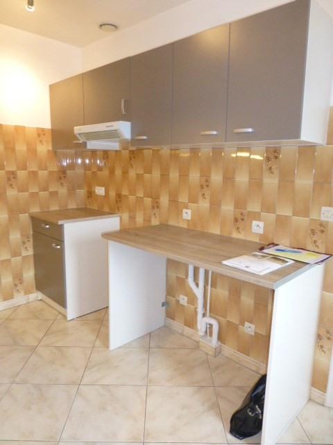 Rental apartment Freneuse 785€ CC - Picture 5