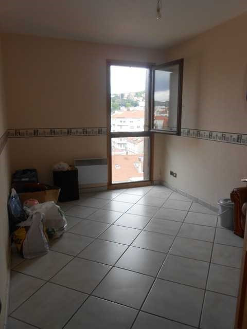 Rental apartment Saint-etienne 430€ CC - Picture 2