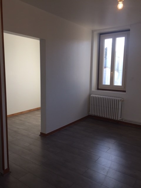 Location appartement Roche-la-moliere 435€ CC - Photo 8