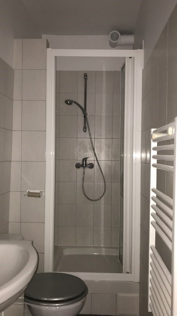 Location appartement Paris 19ème 1 100€ CC - Photo 9
