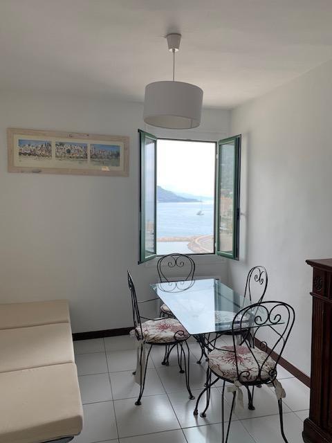 Location appartement Menton 1500€ CC - Photo 1