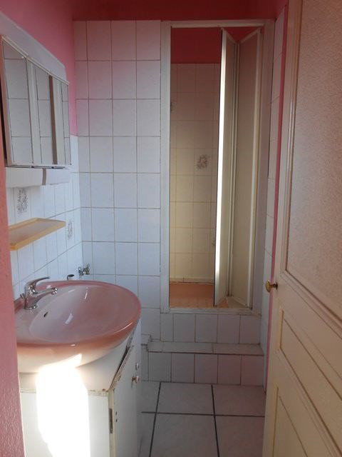 Location appartement Sury-le-comtal 350€ CC - Photo 4