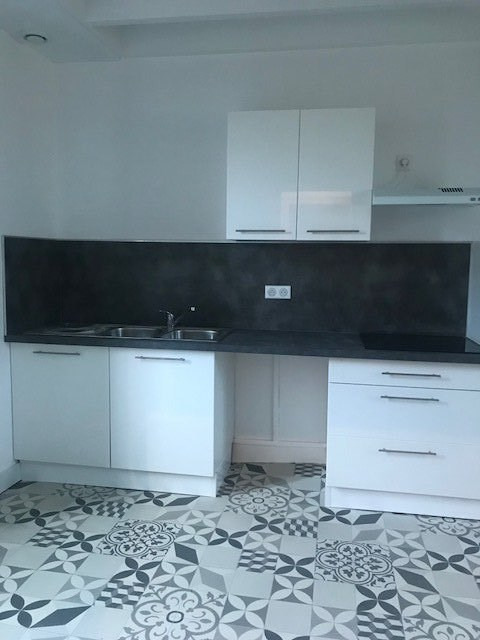 Rental house / villa Ruelle-sur-touvre 630€ CC - Picture 1