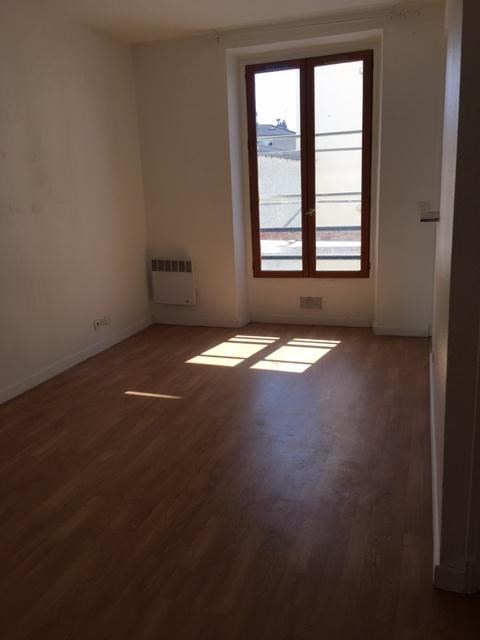 Rental apartment Aubervilliers 889€ CC - Picture 1