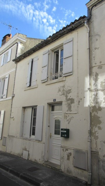 Vente maison / villa Saint-jean-d'angély 90750€ - Photo 1