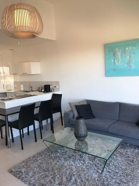Location vacances appartement Le grau du roi 410€ - Photo 4