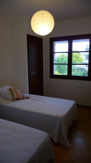 Location vacances maison / villa Les issambres 1105€ - Photo 5
