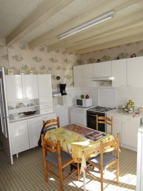 Sale house / villa Saint-jean-d'angély 69750€ - Picture 2