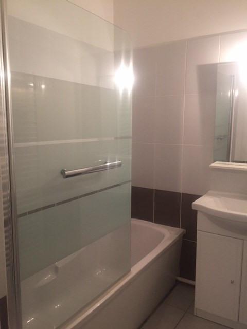 Location appartement Roche-la-moliere 755€ CC - Photo 3