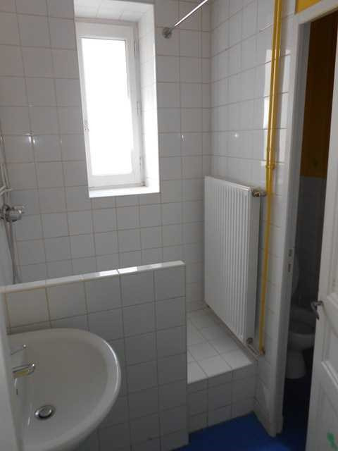 Location appartement Montrond-les-bains 426€ CC - Photo 4
