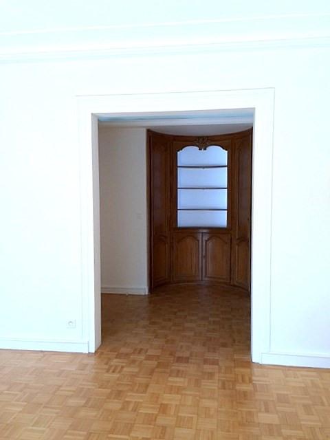 Location appartement Paris 16ème 2790€ CC - Photo 3