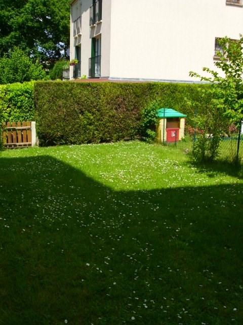 Rental house / villa Elancourt 1291€ CC - Picture 9