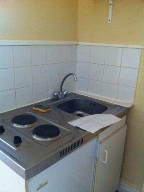 Rental apartment Paris 17ème 430€ CC - Picture 2