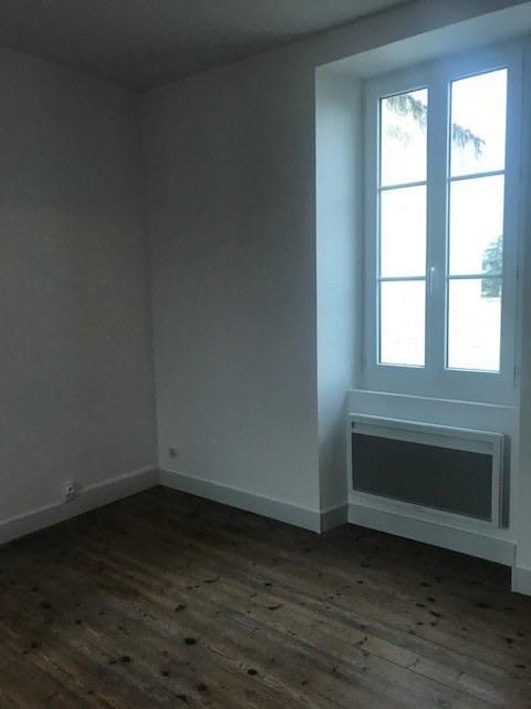 Rental house / villa Ruelle-sur-touvre 630€ CC - Picture 5
