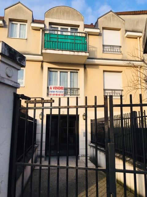 Vente appartement Crosne 147000€ - Photo 1