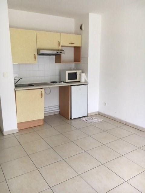 Rental apartment St denis 611€ CC - Picture 6