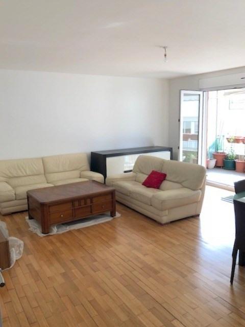 Sale apartment Lyon 3ème 540000€ - Picture 2