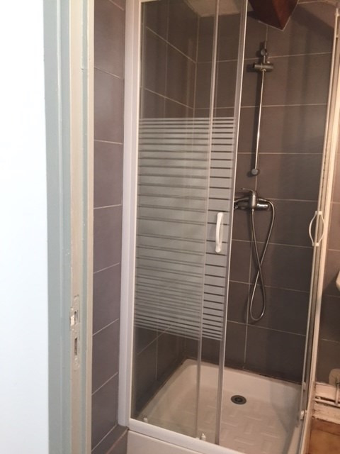 Location appartement Roche-la-moliere 435€ CC - Photo 4