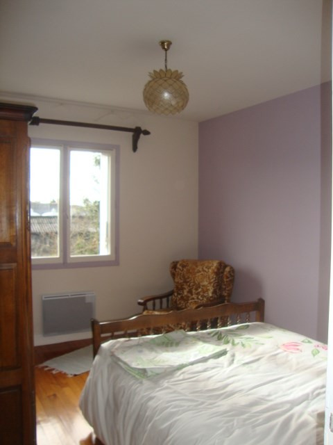 Sale house / villa St jean d'angely 164 300€ - Picture 7
